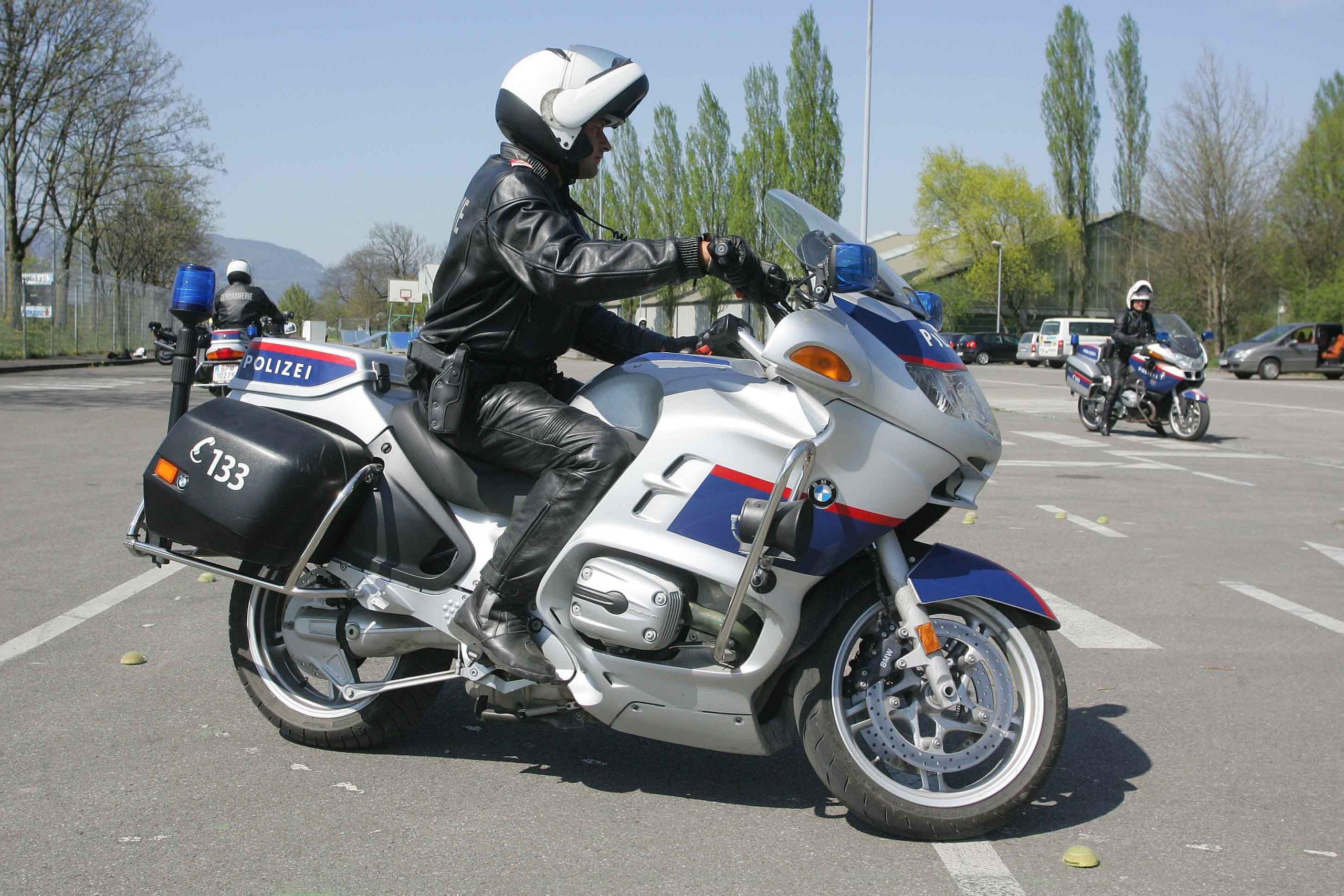 Skórzane spodnie motocyklowe – niezbędny element garderoby motocyklisty